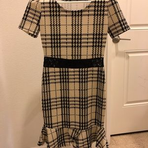 Dresses & Skirts - Contouring dress